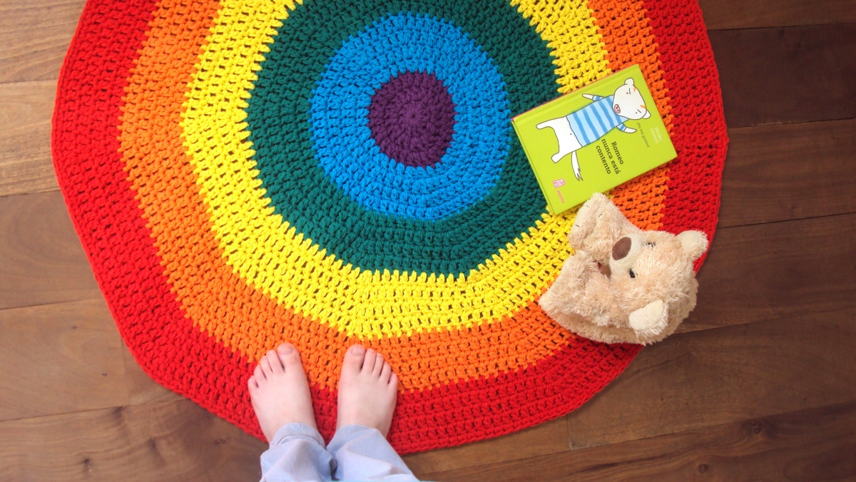 FREE PATTERN: Crochet Rainbow Playmat